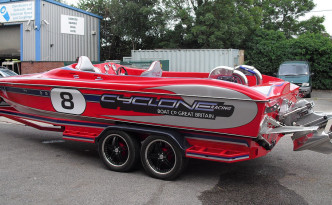 Cyclone 21 Thunder - Race Boat